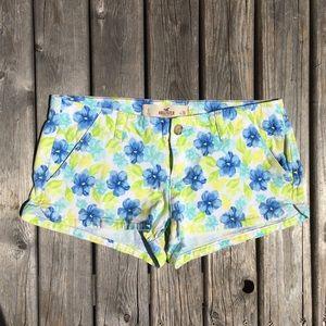 💥5/$25 Hollister Bright Floral Print Shorts